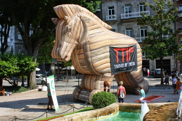 ilcanallarubens_ICR-Photographer_Non ao TTIP en VIGO_Cabalo de troya_2015