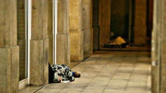 ilcanallarubens_ persoas sen teito nos suportais do PP de Vigo_Vigo_2015