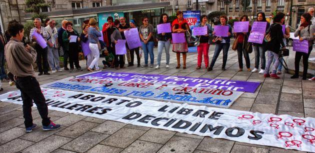 ilcanallarubens_ Concentracións en toda Galicia en favor do aborto _ Vigo _ 2015_ 28 setembro do 2015