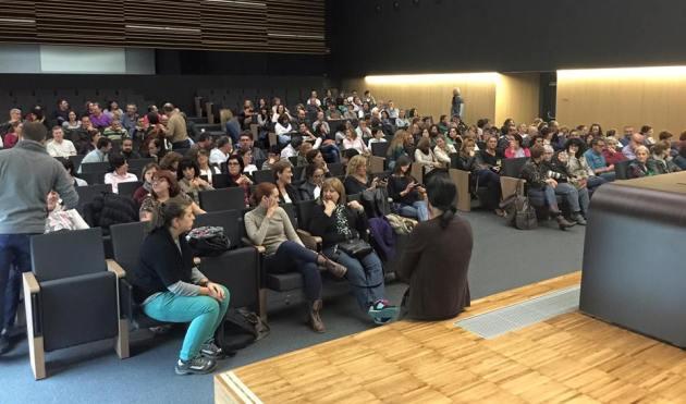 ilcanallarubens_celadores e celadoras en asamblea_ Vigo_ 2015