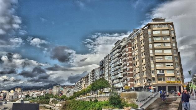 ilcanallarubens_vistas dende o muro da estacion vigo urzaiz cara via do norte e canadelo_Vigo_2016