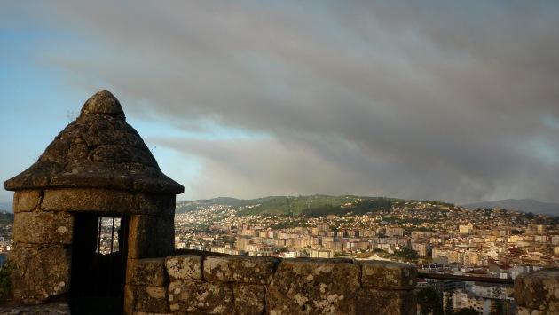 ilcanallarubens_nube de fume desde o Monte do O Castro_Vigo_2016